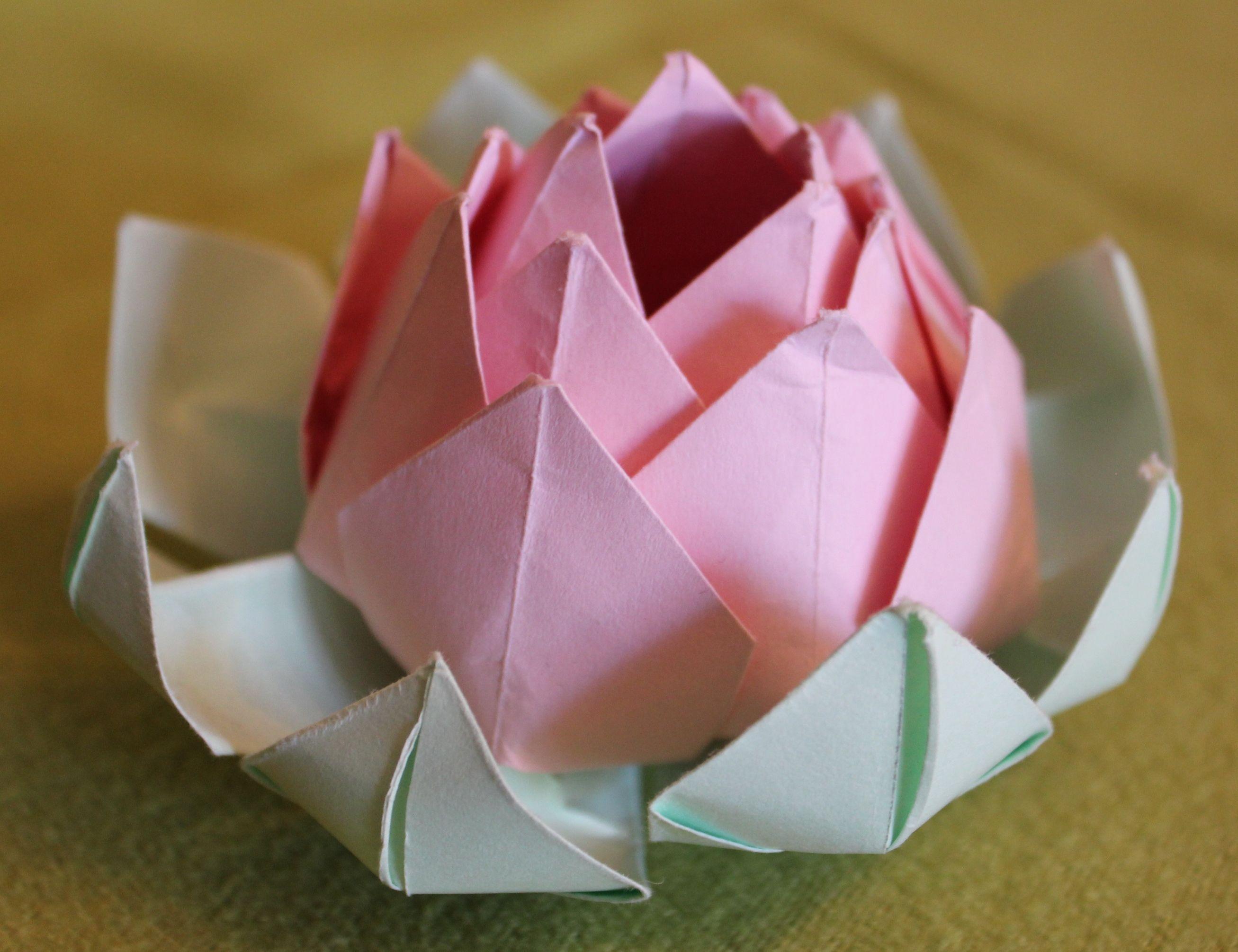 fleurs de lotus origami. Black Bedroom Furniture Sets. Home Design Ideas